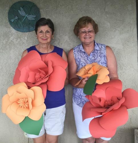 Paper flowers Debi & Evelyn